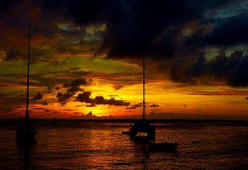 Zonsondergang achter klein Bonaire van Loraine van der Sande