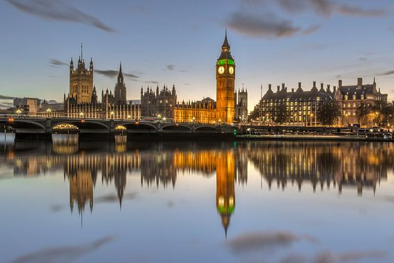 Houses of Parliament en de Big Ben in London van Bert Buijsrogge