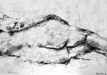 Schilderij van een liggende vrouwen figuur in zwart wit. van Therese Brals