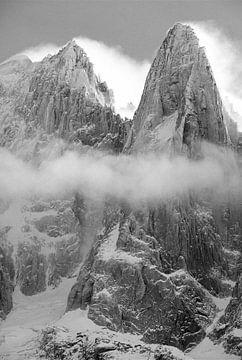 Les Drus in Chamonix na sneeuwstorm van
