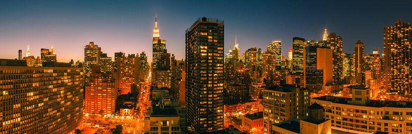 Manhattan at night van Henk Meijer Photography