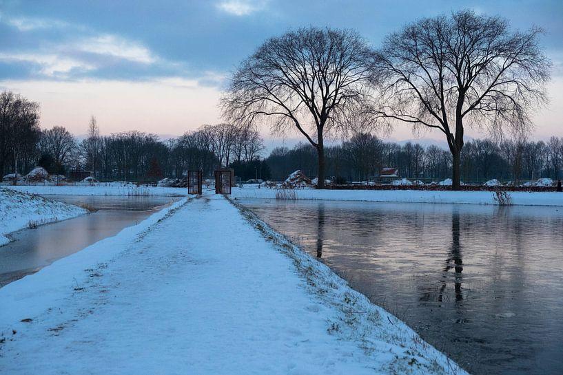 Winter in Moerenburg van Freddie de Roeck