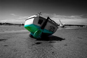 Boot am Strand im Sommer von Youri Mahieu