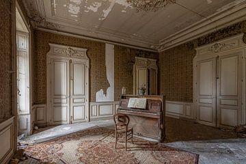 Piano Room van Lien Hilke