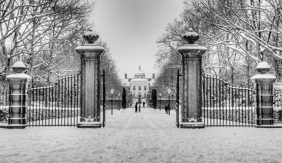 Huis ten Bosch in de sneeuw van Michiel Mos
