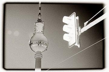 Quick stop at Alexander Platz van Maurice Moeliker