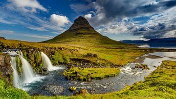Kirkjufell in Island von Dieter Meyrl
