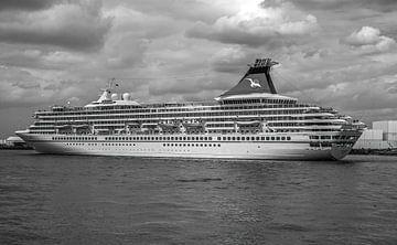 Cruiseschip Artania in Rotterdam van MS Fotografie