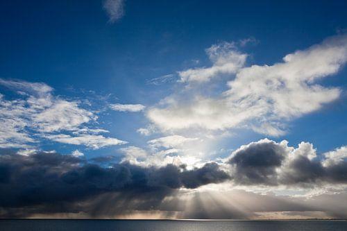 bleu sky above the rain van