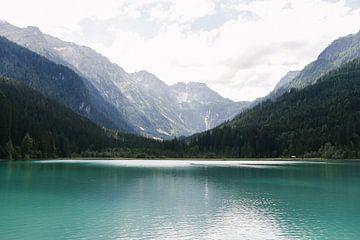 Ein schöner See in Österreich | Jägersee |Türkisfarbenes Wasser | Berge | Reisefotografie von Mirjam Broekhof