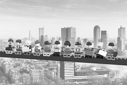 Lunch atop a skyscraper Lego edition - Rotterdam van