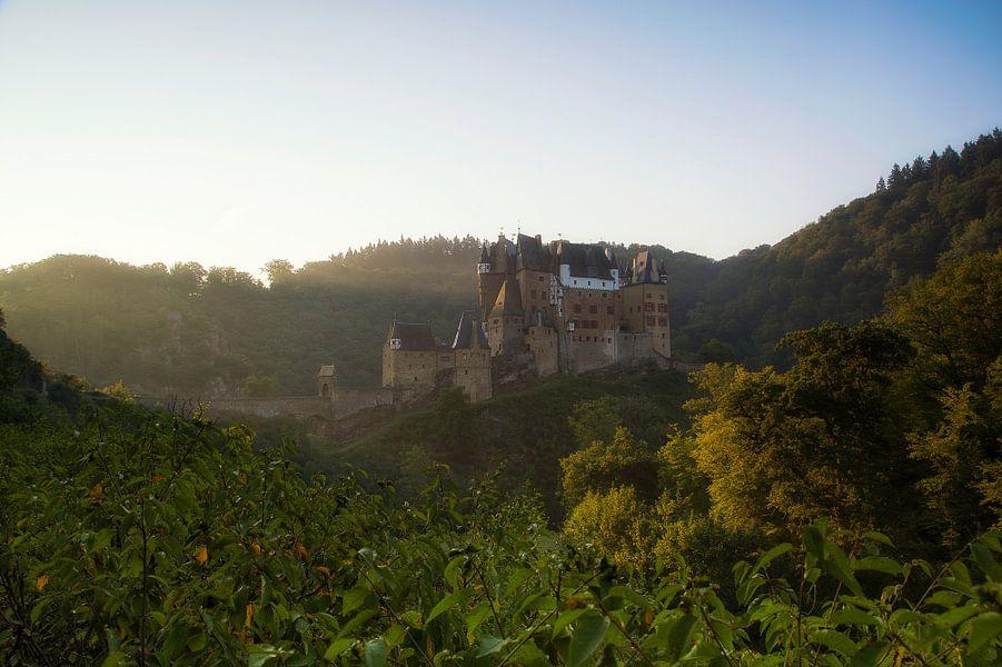 Burg Eltz van Ben van Sambeek