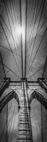 NEW YORK CITY, Brooklyn Bridge is in de Detail   pan verticaal van Melanie Viola