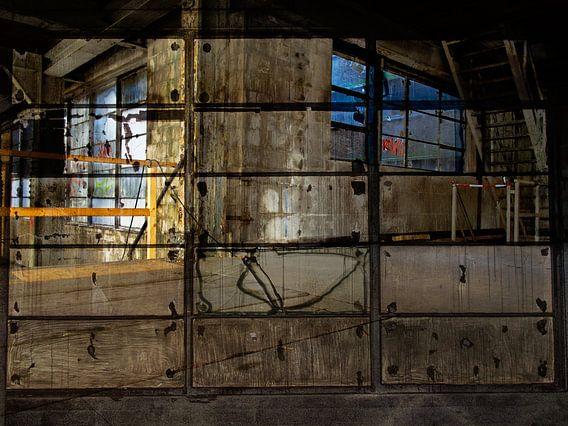 Interieur van voormalige meelfabriek in Leiden; gewild decor voor tv opnamen van Jaap de Raat