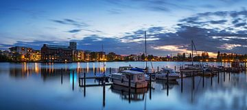 Berlin - La baie de Rummelsburg à l'heure bleue sur Frank Herrmann