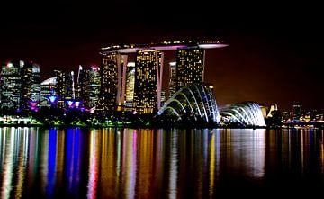 Singapore Skyline by Night van Wouter Mesker