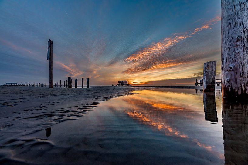 Sonnenuntergang Sankt Peter-Ording von Marco de Jong