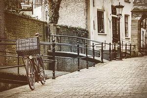 Oude fiets in Gouda van Martin Bergsma