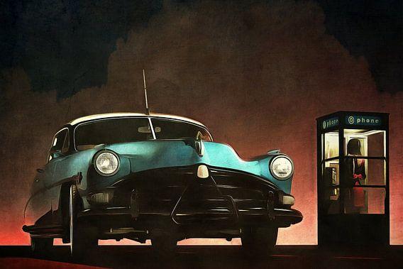 Retro – Klassiek Oldtimer Hudson Hornet en een vrouw in een telefooncel