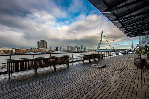 Skyline Rotterdam met Erasmusbrug vanaf Kop van Zuid