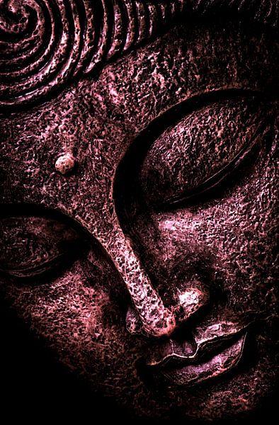 Buddha Darkred September 2020 von Michael Ladenthin