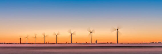 des éoliennes, un parc éolien dans le polder.