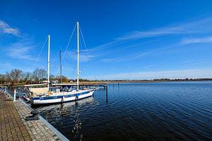 Segelschiffe im Hafen Puddemin auf Rügen