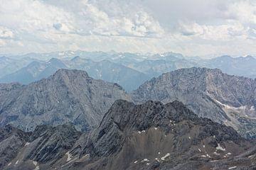 Uitzicht vanaf de Zugspitze naar het zuiden van Gisela Scheffbuch