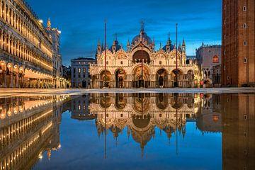 Piazza San Marco in Venetië van Michael Abid