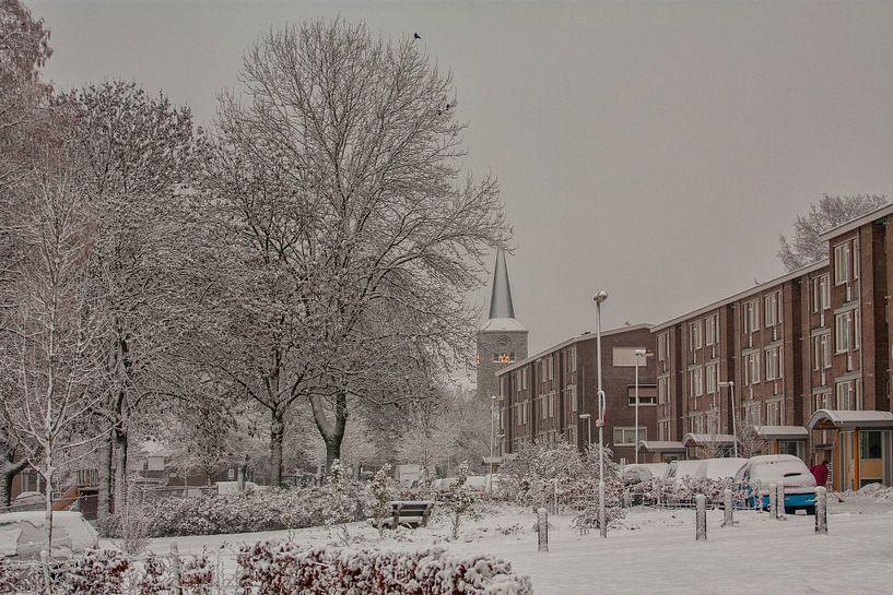 Brandstraat Simpelveld in de sneeuw van John Kreukniet