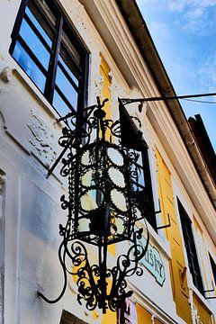Prag - Wandlampen-Ornament von Wout van den Berg