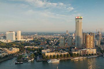 Rotterdam in het ochtendlicht II van Ilya Korzelius