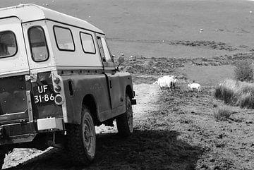 Land Rover Series 109. von Monique ter Keurs