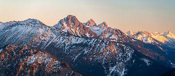 Zonsondergang over Gimpel, Roten Flüh en Kellenspitze van Leo Schindzielorz