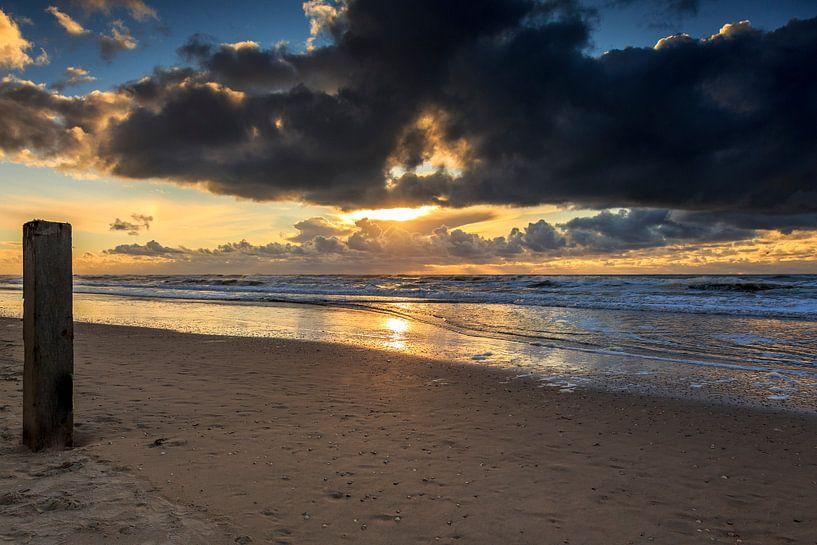 Castricum aan zee Zonsondergang / Sunset van Dick Jeukens