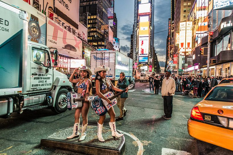 "New York ""the naked Cowgirls"" van John Sassen"