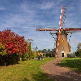 Molen in een herfst landschap van Bram van Broekhoven