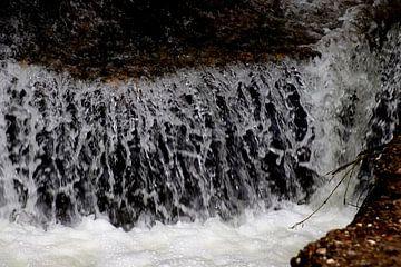 L'eau qui coule sur Paul Emons