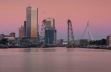 Zonsopkomst in Rotterdam von Ilya Korzelius