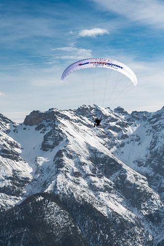 paraglider in de alpen - Fulpmes - Stubai