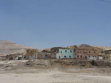 'Spookstad', Luxor- Egypte van Martine Joanne