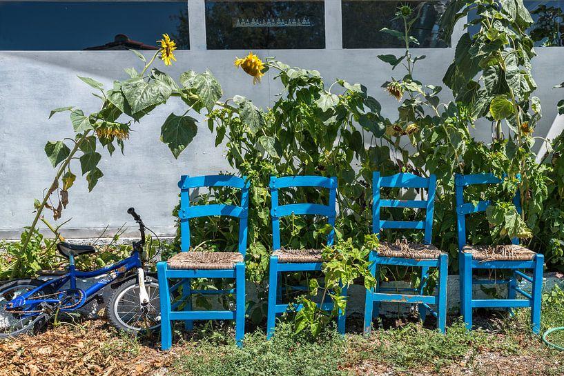 Rustplaats met vier stoelen  van Rinus Lasschuyt Fotografie