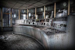 Controle kamer in een verlaten energiecentrale van