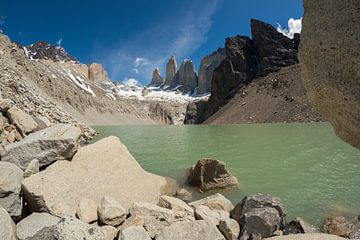 Torres del Paine, de Torens van blauw von Gerry van Roosmalen