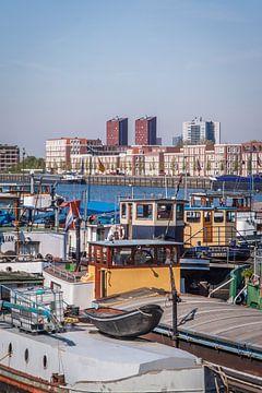 Boote im Rotterdam von Jasper Scheffers