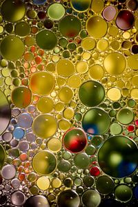 Gelbgrüne Blasen von Milou Oomens
