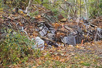 Müllhaufen auf der Baustelle in Halle Saale in Deutschland von Babetts Bildergalerie