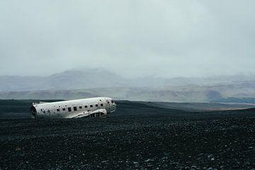 Neergestort vliegtuig in IJsland van Shanti Hesse