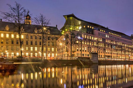 Delftsevaart Rotterdam in het blauwe uur van Frans Blok