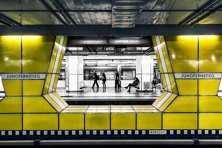 Hamburg Jungfernstieg von Carina Buchspies